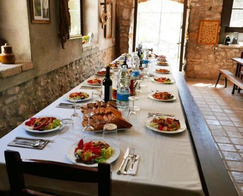 Degustació formatges, embotits, vi, productes de proximitat